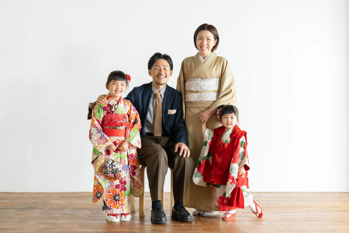 広島のフォトスタジオ「記念写真館SUNNY」家族写真
